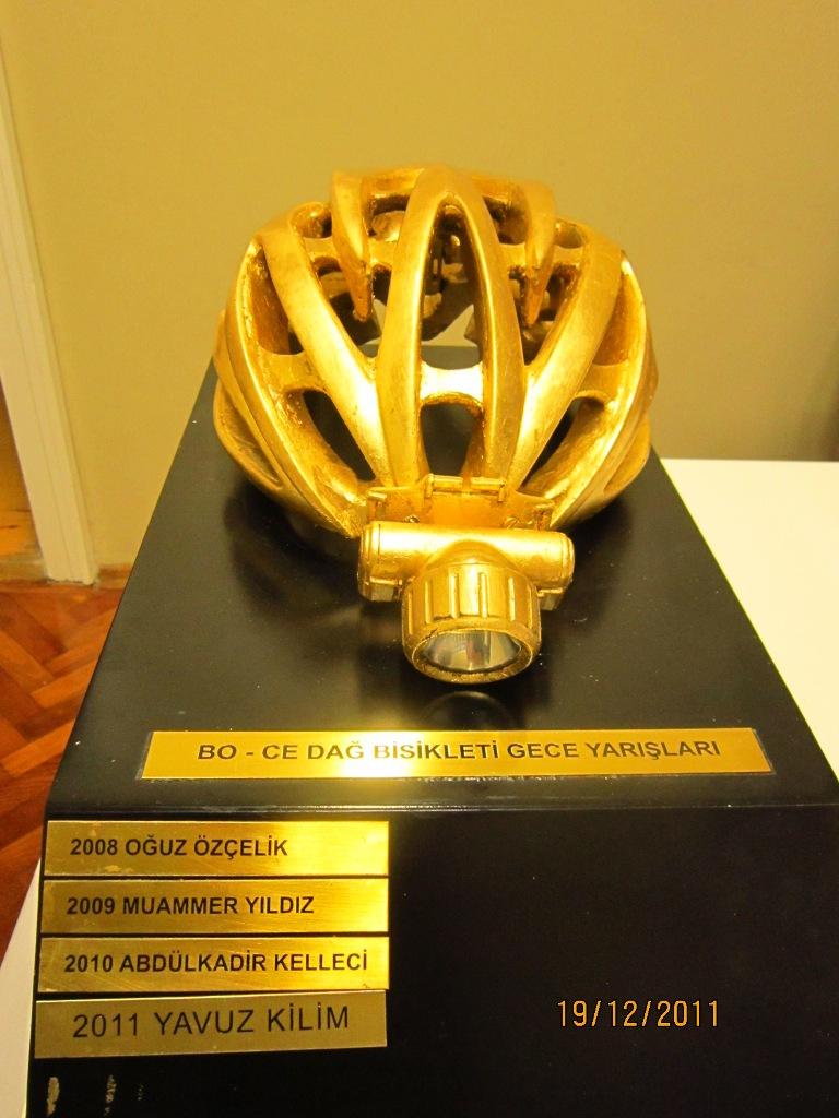 4. BO-CE SALCANO Dağ Bisikleti Gece Yarışı koşuldu