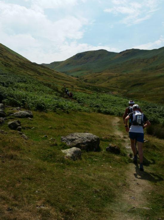 En uzun tırmanışa doğru. Rota genelde vadi tabanlarındaki korunaklı patikları takip ediyor.