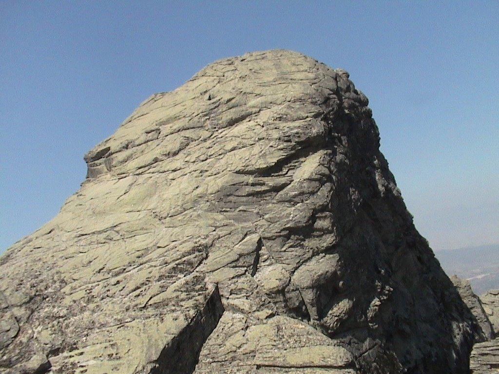 Tekerlek Tepe, küçük zirveden. ve biraz doğudan sanırım. F: Hızır Çam (panoramio)  Benim şarjım bitmişti.